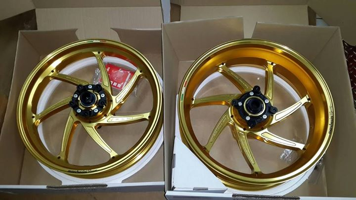 7 Spokes Aluminium Wheel with Sprocket - Gold Anodize